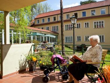 In dem idyllischen Stadtteil Pankow im Norden Berlins liegt das Seniorenzentrum am Bürgerpark d...