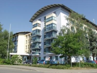 Das Mathilde-Vogt-Haus befindet sich in ruhiger Lage in Heidelberg-Kirchheim. Zu Fuß sind Apot...