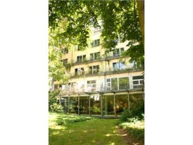 In unmittelbarer Nähe zum Main und zum Museumsufer liegt das Alten- und Pflegeheim Martha-Haus ...