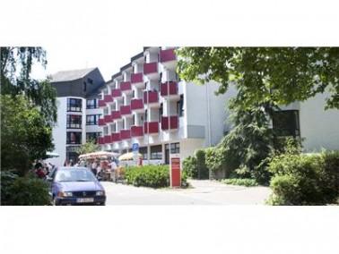 Altenpflegeheim – Neu-Isenburg   Willkommen im Haus An den Platanen     Die meisten Menschen...