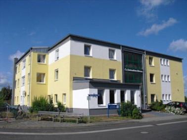 Das Seniorenheim Theresa liegt am Ortsrand von Großkrotzenburg in einer ruhigen Seitenstra&szl...