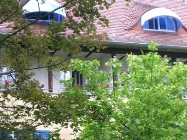 Das Franz-Rohde-Haus liegt in einem Wohngebiet im Stadtteil Mühlburg in Karlsruhe, etwa 1,5 Kil...