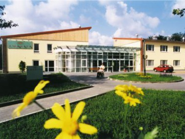 Die AMARITA Oldenburg liegt im ruhigen Stadtrandviertel Ohmstede. Umgeben ist das Pflegeheim nicht n...