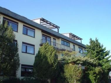 Das Haus    Im Jahr 1978 erbaut befindet sich das Landhaus im beliebten Ettlinger Stadtteil Sch&ouml...