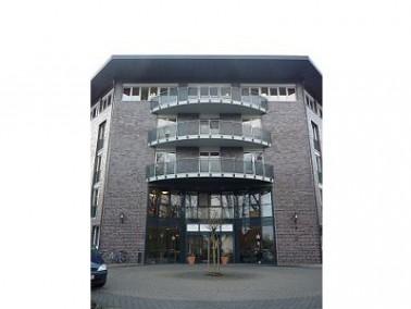 Das 2002 eröffnete CURANUM Pflege- und Betreuungszentrum St. Viti liegt etwas nördlich des Stadtzent...