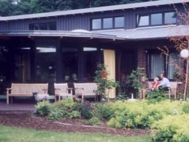 Der gerontopsychiatrische Pflegebereich Buchholz wurde im Jahr 2000 fertiggestellt und liegt im Henr...