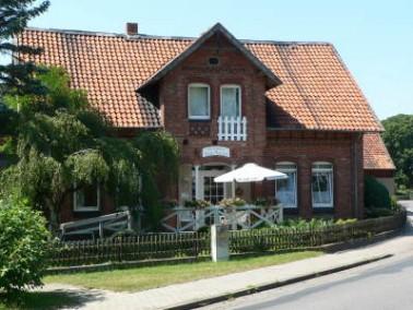 Das Pflegeheim bietet seinen 23 Bewohnern ein gemütliches Zuhause mit familiärer Atmosphäre in länd...