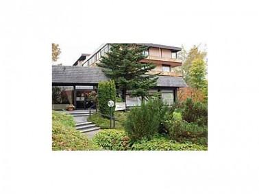 Die Senioren-Residenz G. Zimmermann liegt idyllisch zwischen Wesergebirge, Bückeberg und Harrl....