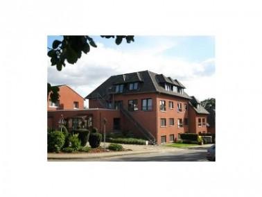 Der Seniorenwohnsitz SÜD-ELM liegt am Ortsrand von Ampleben am Naturpark Elm. In wenigen Minute...