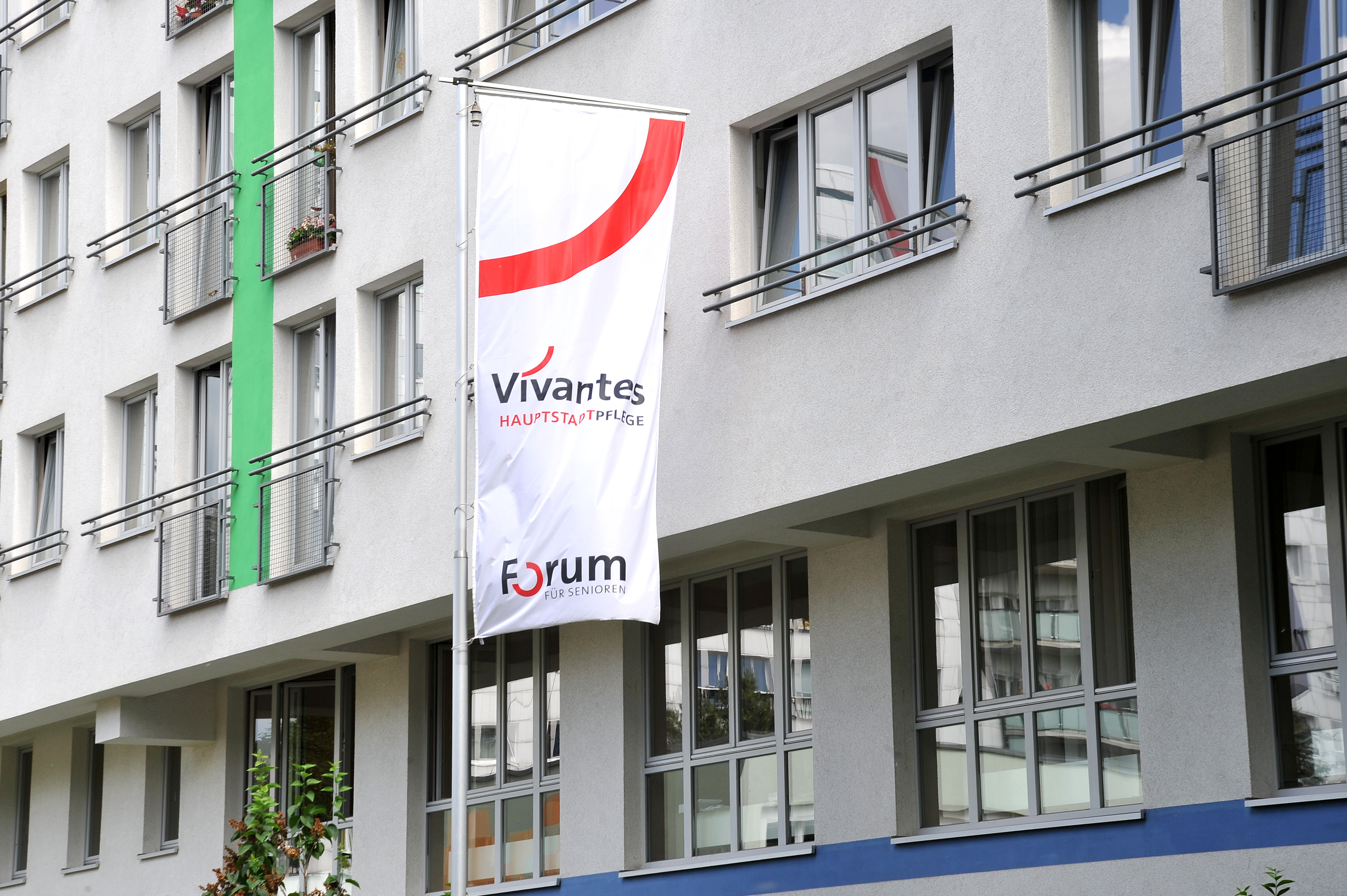 vivantes hauptstadtpflege haus jahreszeiten in berlin. Black Bedroom Furniture Sets. Home Design Ideas