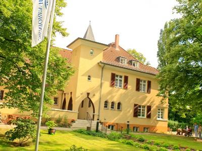 Senioren wohnpark leipzig villa auenwald in leipzig auf for Auenwald leipzig