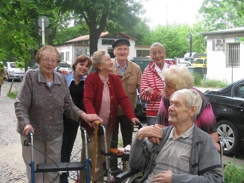 senioren wohngemeinschaft villa elfriede in berlin karlshorst auf wohnen im. Black Bedroom Furniture Sets. Home Design Ideas
