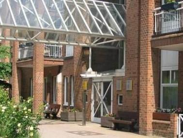 seniorenzentrum haus am wehbers park in hamburg eimsb ttel auf wohnen im. Black Bedroom Furniture Sets. Home Design Ideas