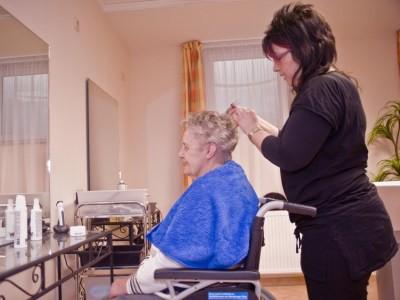 Senioren-Friseur DatingTraum davon, einen Freund zu datieren