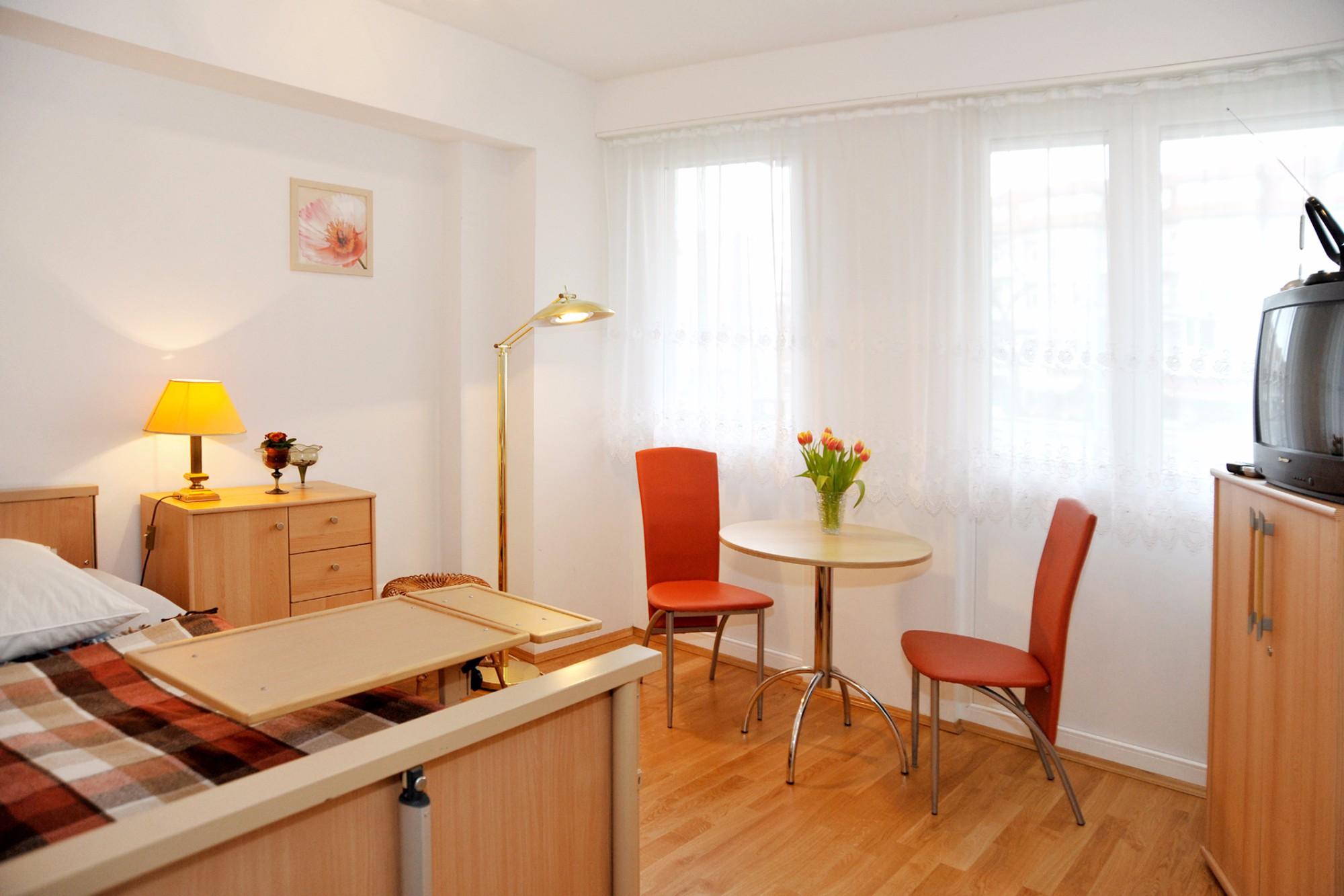 In den schön gestalteten Zimmern fühlen sich die Senioren zuhause