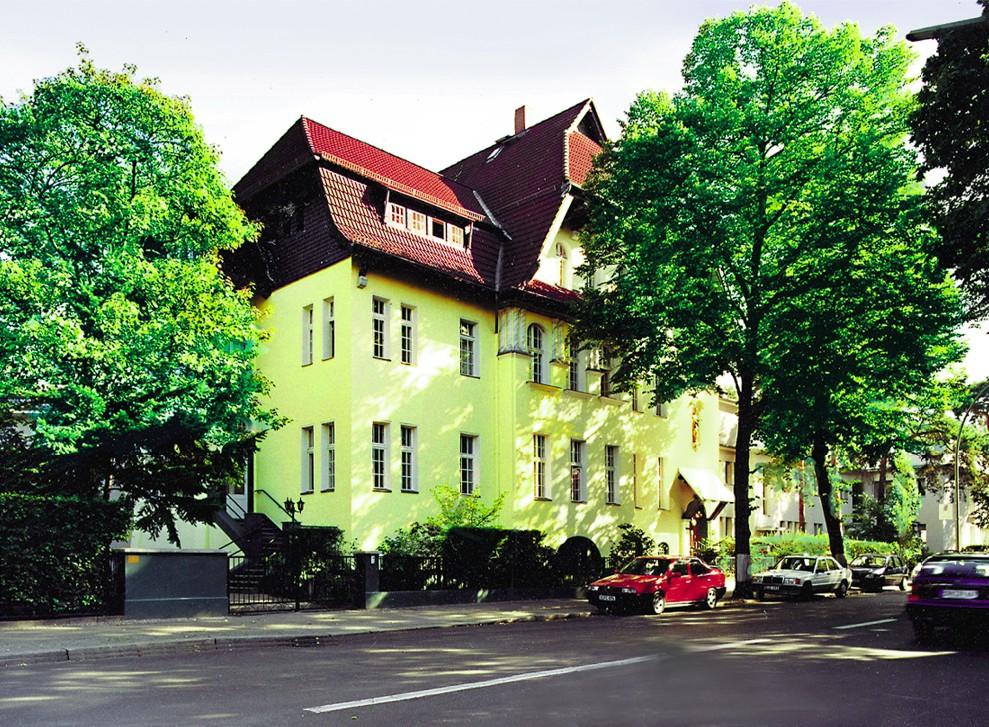 altenpflegeheim haus teplitz gmbh in berlin grunewald auf. Black Bedroom Furniture Sets. Home Design Ideas