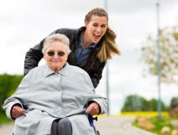 Pflegehelferin (m/w) mit Interesse an Qualifizierung