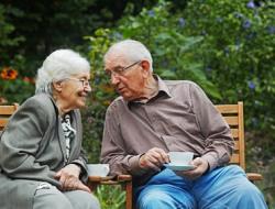 Sie haben das Alter, sind jedoch noch nicht bereit für ein Alter- und Pflegeheim?  Bleiben Sie