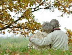 Pflegekräfte (w/m) und Helfer/in Hauswirtschaft