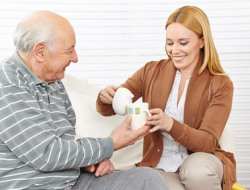Gepflegt bestens zu Hause leben   Wir bieten Ihnen Beratung, Betreuung und Pflege. Unsere Hilfe ist